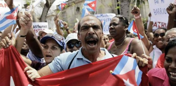 """Opositores cubanos fueron arrestados por usar la palabra """"cambio"""" en un cartel"""
