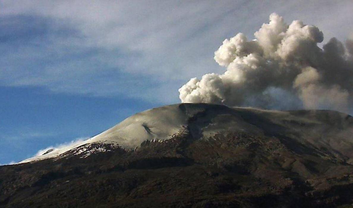 Resultado de imagen para Aeropuerto La Nubia Volcan Ruiz