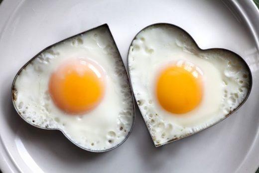 huevos corazones