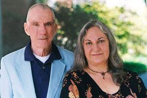 Robert Jahn y Brenda Dunne, jefes del proyecto PEAR en la universidad de Princeton.