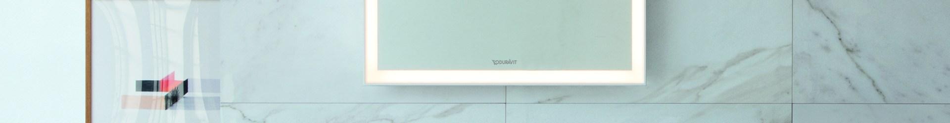 Come scegliere le piastrelle per un bagno piccolo e farlo sembrare più grande