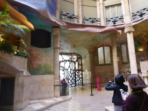 barcelona_passeiggracia_casamila_int_lobby