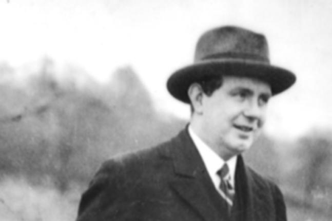 Dr Thomas McLaughlin