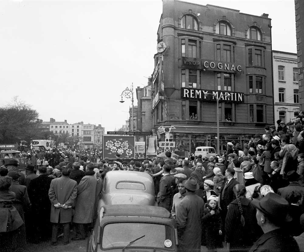 1961, corner of St Stephen's Green and Dawson Street, Dublin