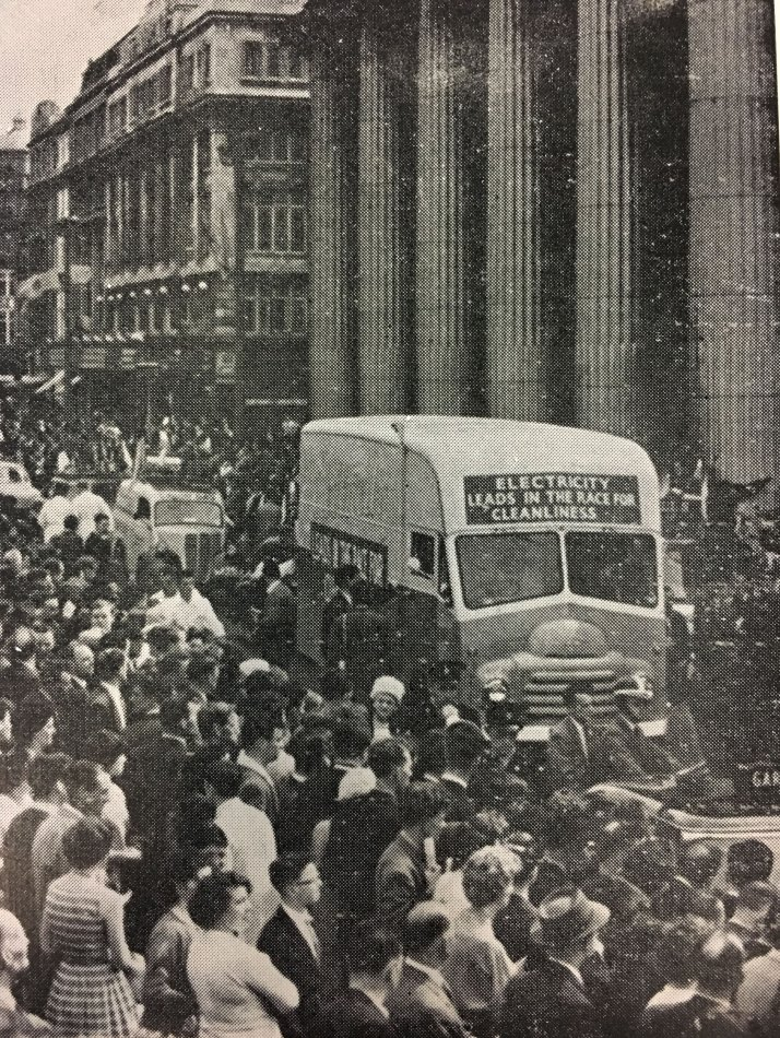 REO mobile unit in parade on O'Connell St