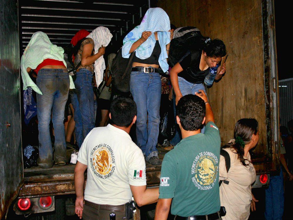 Inmigrantes-camion-1