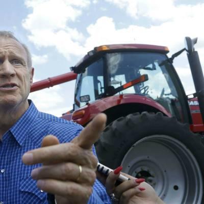 Bruce Rauner, gobernador de Illinois, muestra sus preferencias de raza