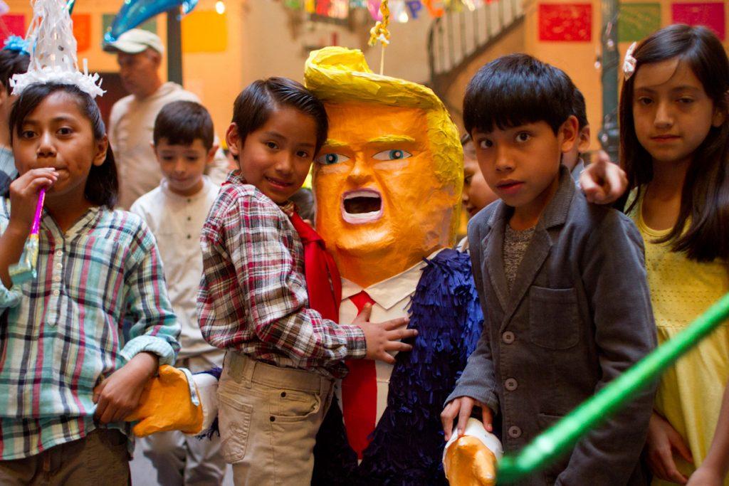 Una piñata de Donald Trump