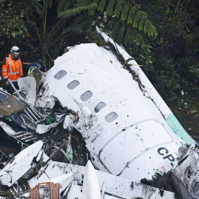 #Tragedia: Se estrella en Colombia avión con un equipo completo de fútbol brasileño