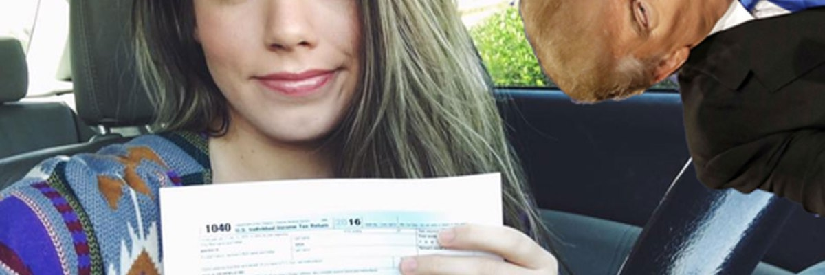 #NoLeSaques: Joven indocumentada muestra sus impuestos y reta a Trump a hacer lo mismo