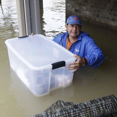 #Harvey: Salen paisanos al auxilio de los damnificados en Houston