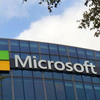 """#Backup: Microsoft """"se le puso al tiro"""" a Trump por los """"Dreamers"""""""