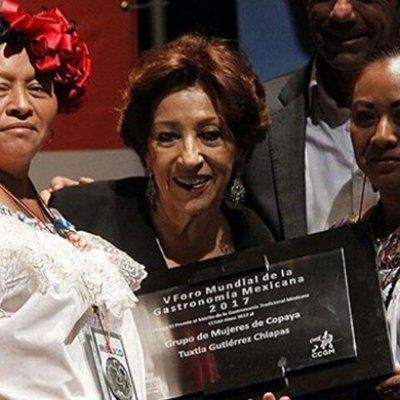 #ReinasDelComal: Cocineras indígenas reciben premio por su aporte a la gastronomía mexicana