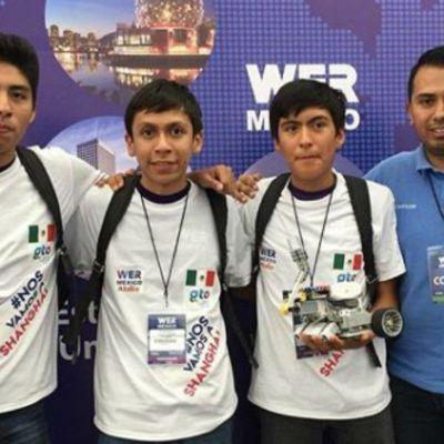 Estudiantes triunfan en concurso mundial de robótica