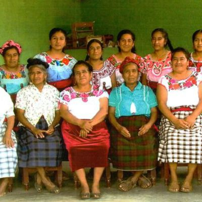 Mujeres zapotecas, tejedoras Nueva Vida