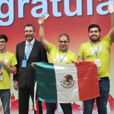 Estudiantes mexicanos ganan medalla en competencia tecnológica en China