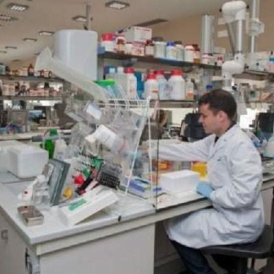Científico mexicano habría creado prototipo de vacuna contra el VIH