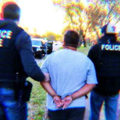 """Mexicano pierde la vida mientras estaba bajo custodia de la """"migra"""""""