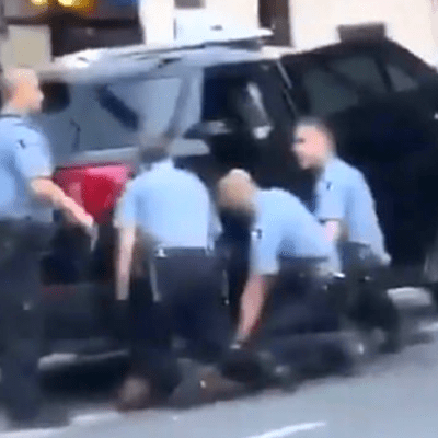 Liberan a policía involucrado en el asesinato de George Floyd