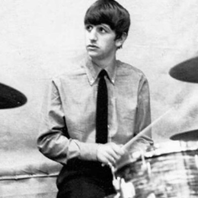 #UnDíaComoHoy pero de 1962, Ringo Starr debuta con The Beatles