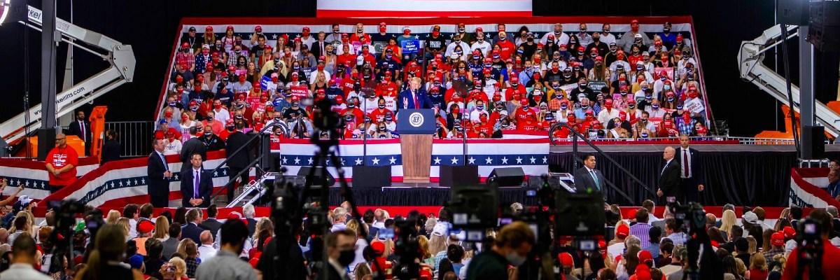 Al contrario de Biden, Trump asegura que ha favorecido a la población latina