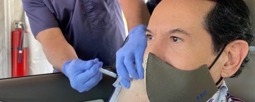 Pepillo Origel podría perder su visa por irse a vacunar a Estados Unidos
