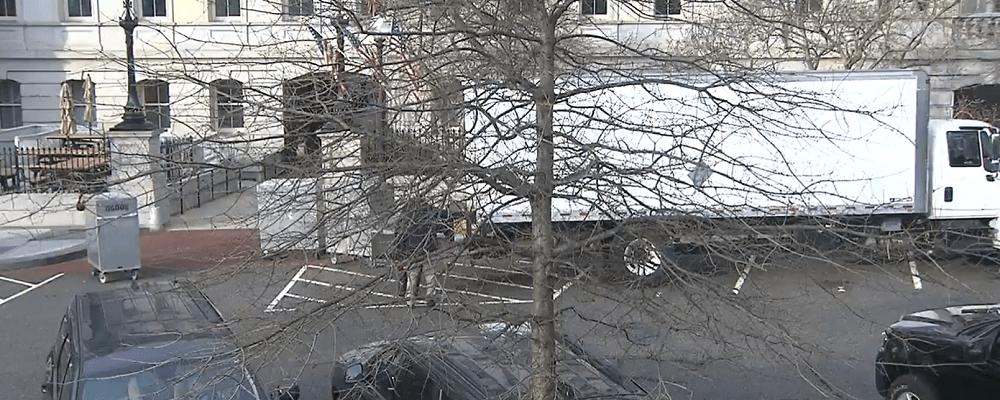 camión de mudanzas casa blanca