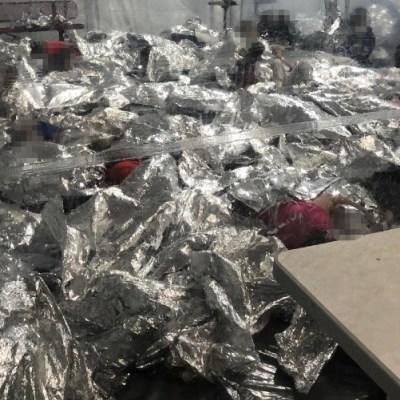 """Ted Cruz denuncia las condiciones """"inhumanas"""" en que tienen a los migrantes"""