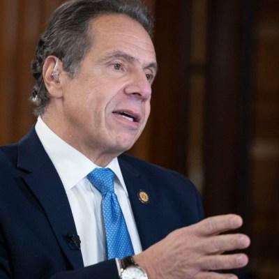 Exempleadas denuncian al gobernador de Nueva York por acoso