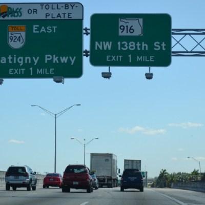 Buscan otorgar licencias de conducir a indocumentados en Florida
