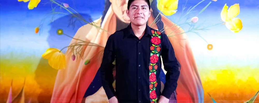 Joven zapoteco gana beca en Harvard para un programa de emprendedores
