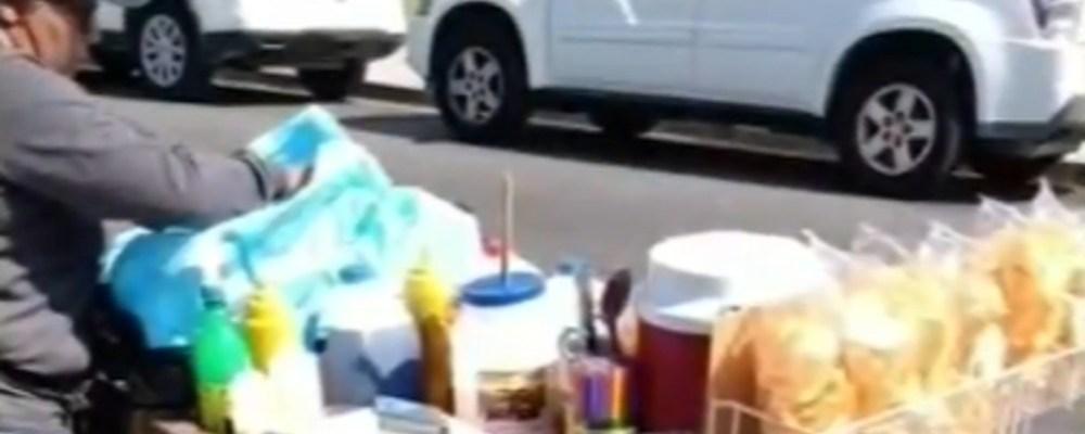 Vendedora de raspados es golpeada y robada por un grupo de jóvenes