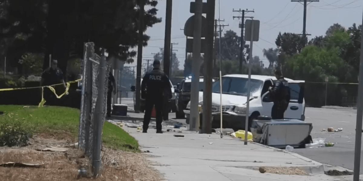 Mujer ebria atropella a migrantes que vendían frutas en un carrito