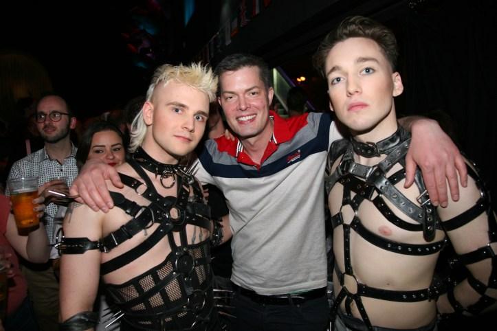 EiC 2019 Serie 1 Eurovision in Concert Amsterdam Klemens und Matthias von Hatari mit Ian
