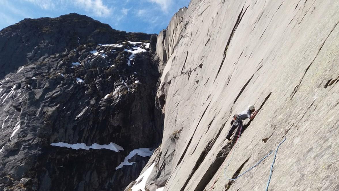 moltbaertinden-climbing-lofoten-01
