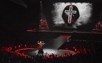 """FIGURA 10 - Imagem de Madonna na """"The Rebel Heart Tour Stage"""""""