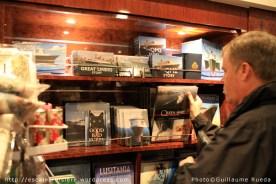Queen Mary 2 - Librairie - Book shop