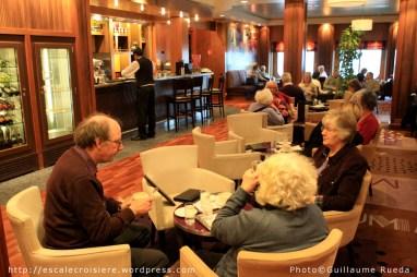 Queen Mary 2 - Sir Samuel's bar