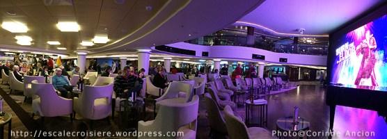 Norwegian Epic - Atrium Café & Bar