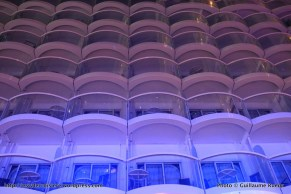 Harmony of the Seas by night - Cabines