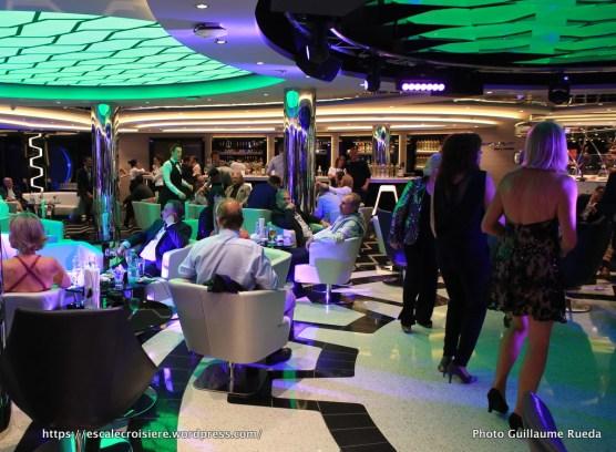 MSC Meraviglia bar and lounge