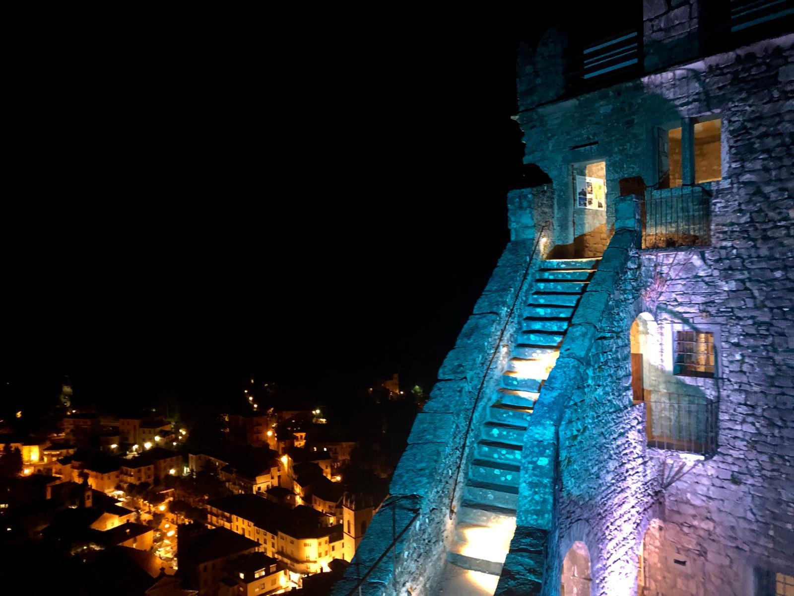 La Rocca di Sestola in notturna