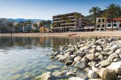 vista restaurant es canyis desde la playa puerto soller