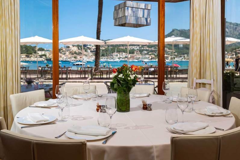 mesa interior restaurant es canyis puerto soller