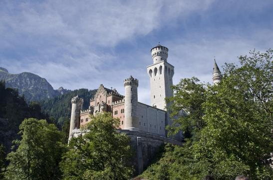 castillo de neuschwanstein desde abajo