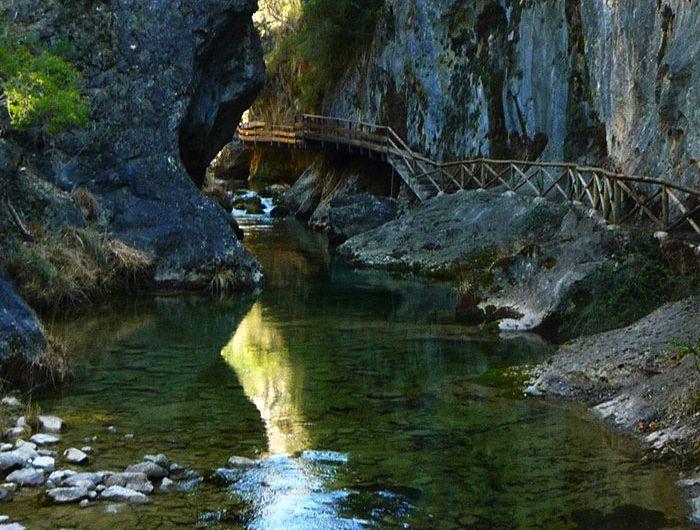 Ruta del río Borosa en la Cerrada de Elías. Sierra de Cazorla