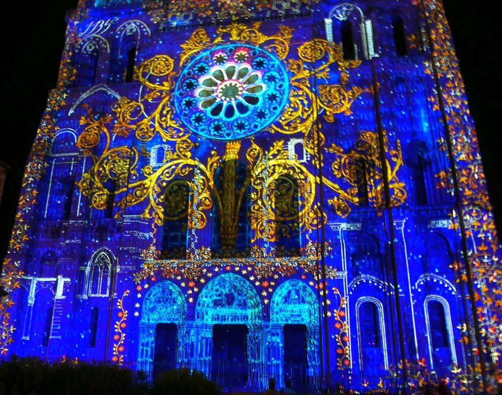10 bonnes raisons de découvrir Chartres en lumières