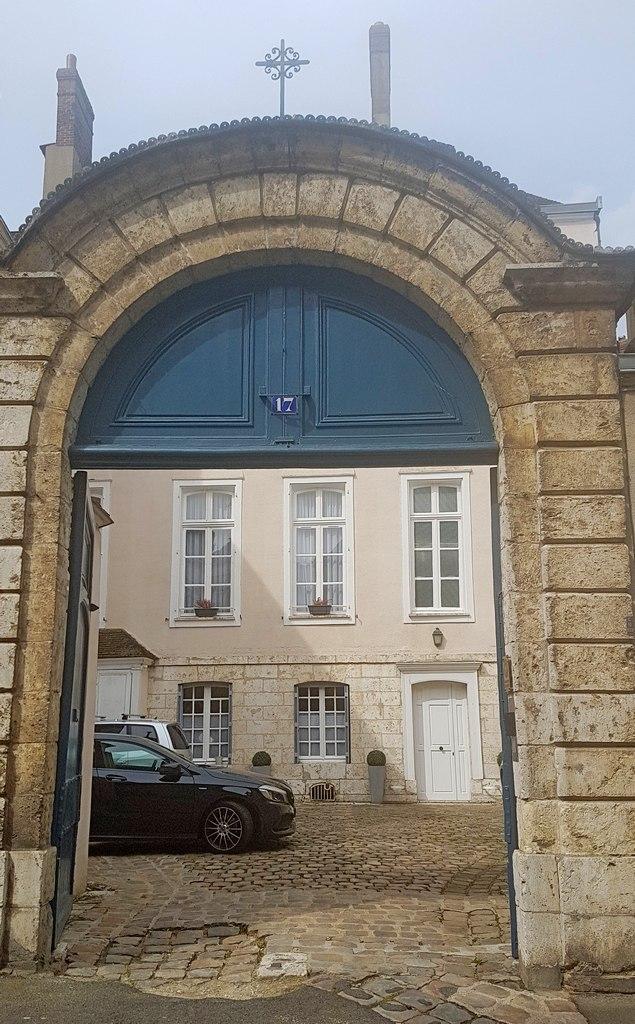 Chartres Maison ailleurs  escapades amoureuses
