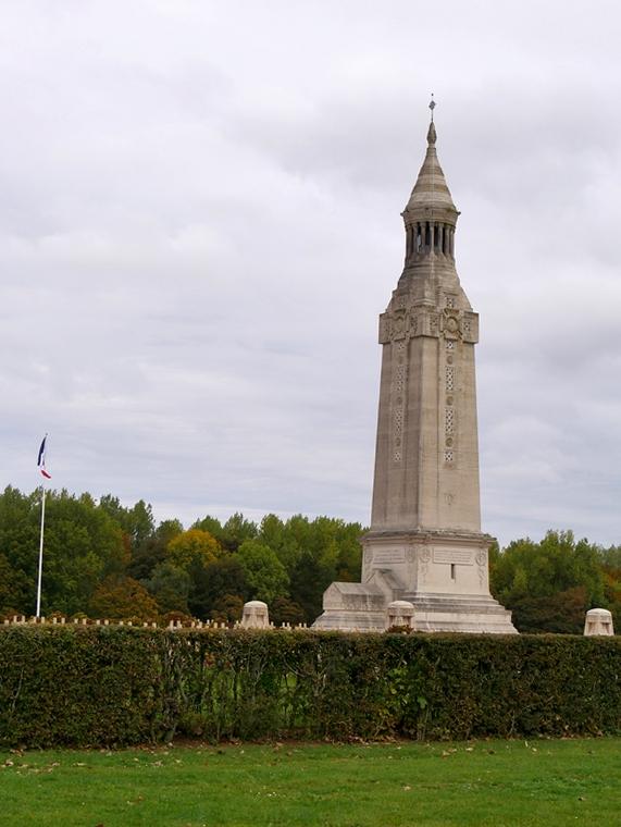 La nécropole nationale de Notre-Dame-de-Lorette est un cimetière militaire et mémorial français