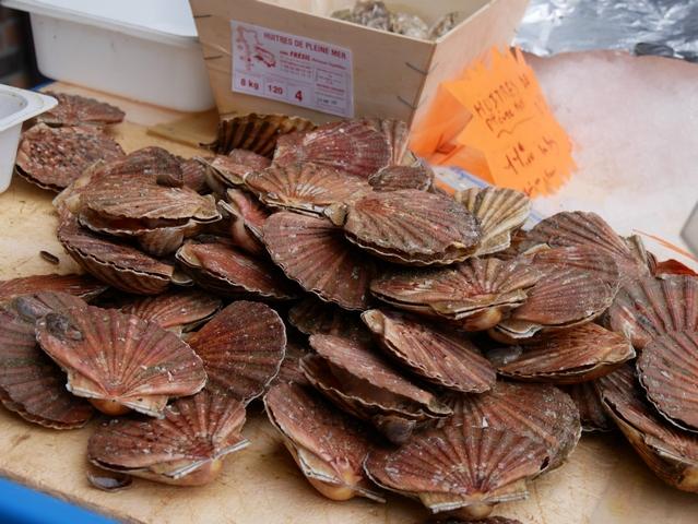 au marché de sainte-marguerite sur mer seine-maritime normandie
